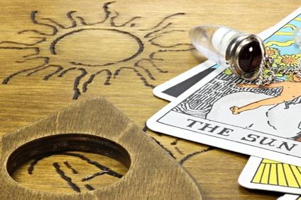 Karten, Orakel und Tarot